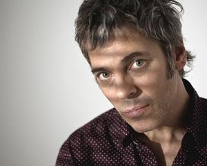 Tras publicar 'La huesuda', el músico vuelve a la carretera con la gira 'Nunca es tarde para el rock & roll'